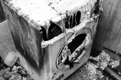 英国一居民购买的惠而浦旗下Indesit烘干机起火后严重损坏